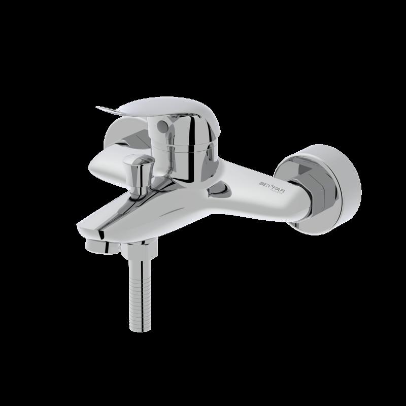 Maneli shiny chrome single lever bath mixer